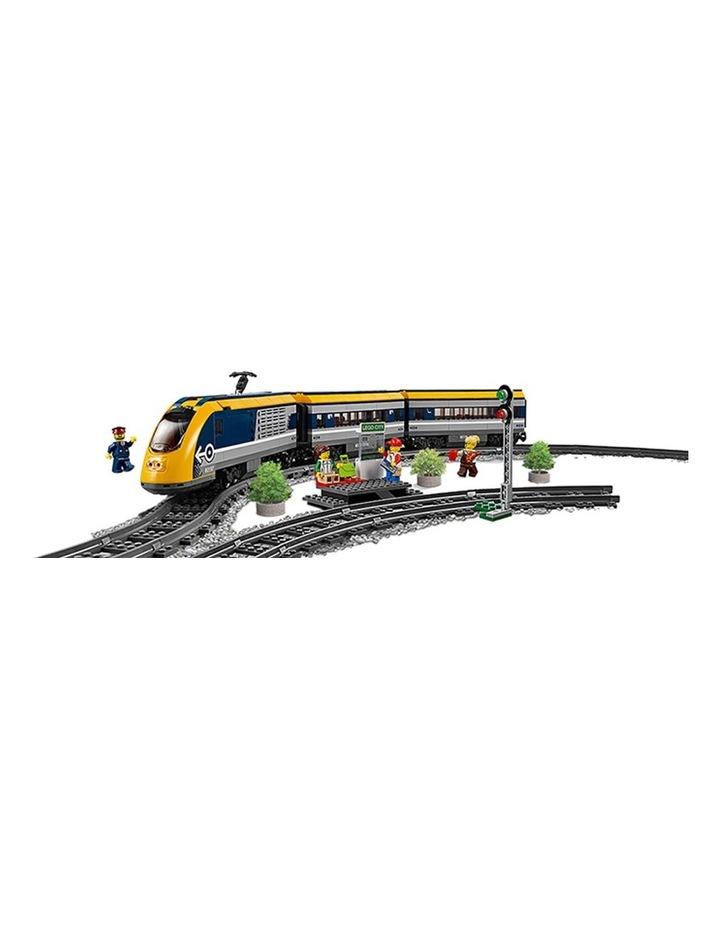 City Passenger Train 60197 image 4