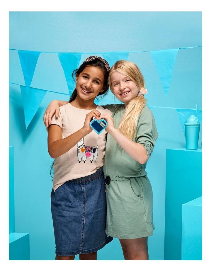 Friends Stephanies Summer Heart Box 41386 image 4