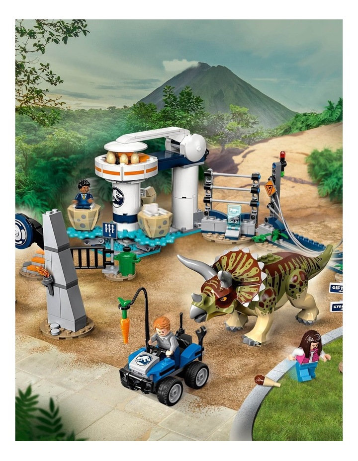 Jurassic World Triceratops Rampage image 5