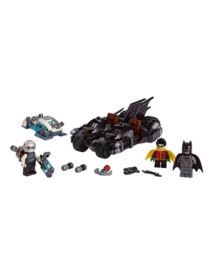 DC Batman Mr. Freeze Batcycle Battle 76118 image 3