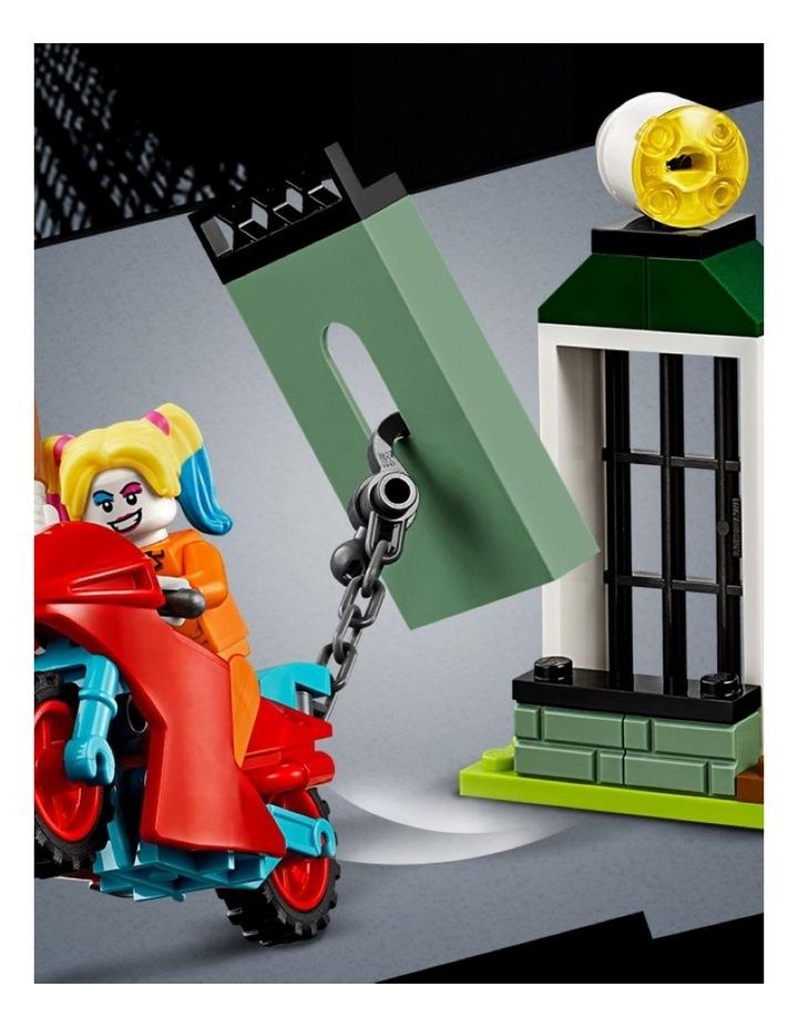 DC Batman Batman and The Joker Escape 76138 image 5