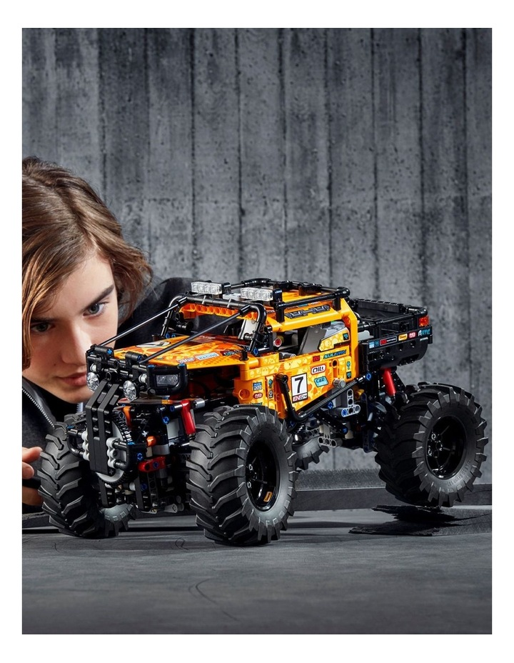 Technic 4x4 X-treme Off-Roader image 4