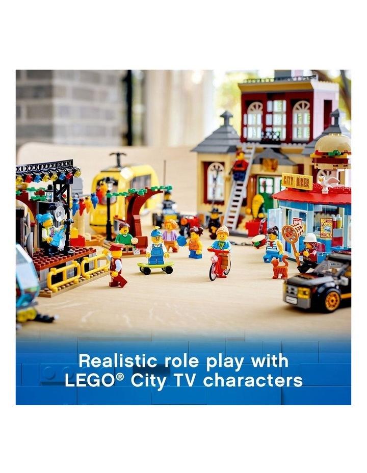 City Main Square 60271 image 5