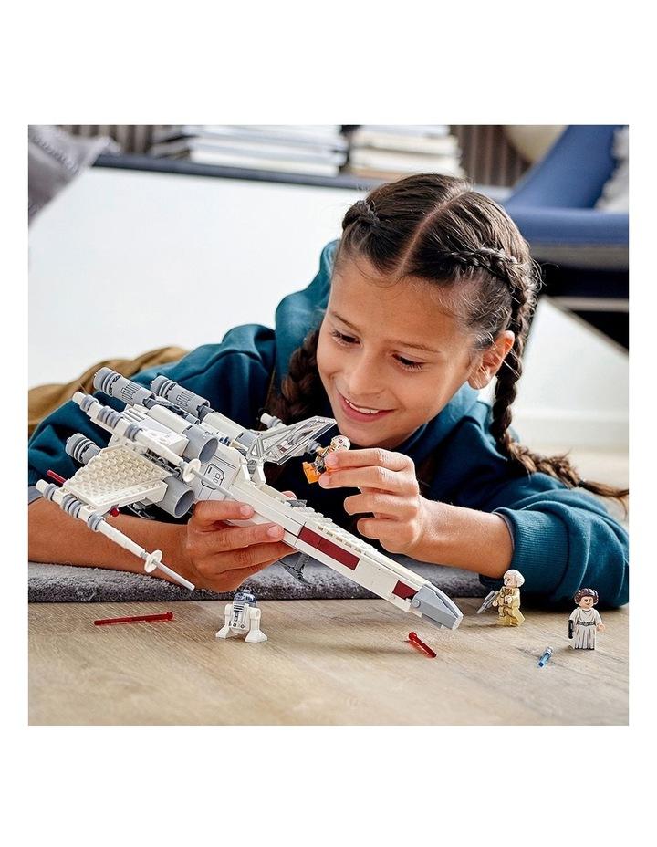 Star Wars Luke Skywalker's X-Wing Fighter 75301 image 5