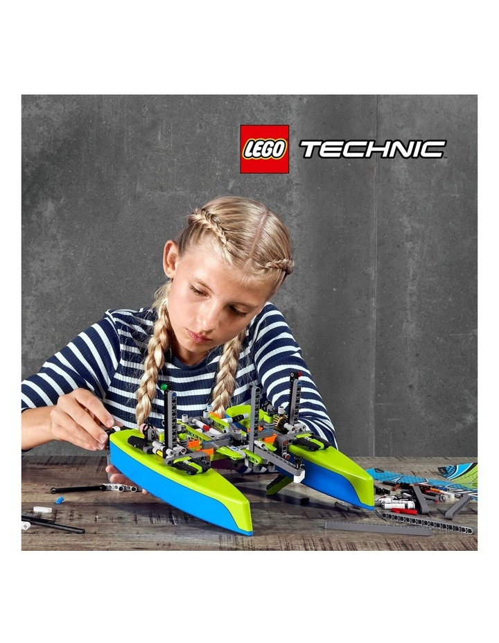 Technic Catamaran 42105 image 3