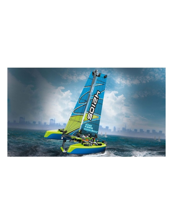 Technic Catamaran 42105 image 4