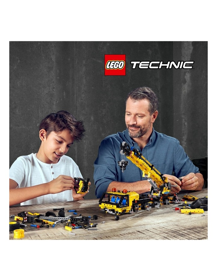 Technic Mobile Crane 42108 image 3