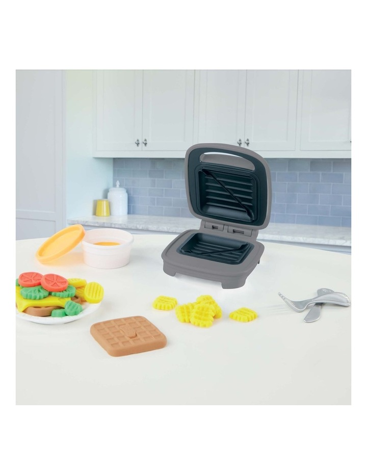 Kitchen Creations - Cheesy Sandwich Play Food Set - Incl Play-Doh Elastix Compound & 6 Dough Compounds image 4