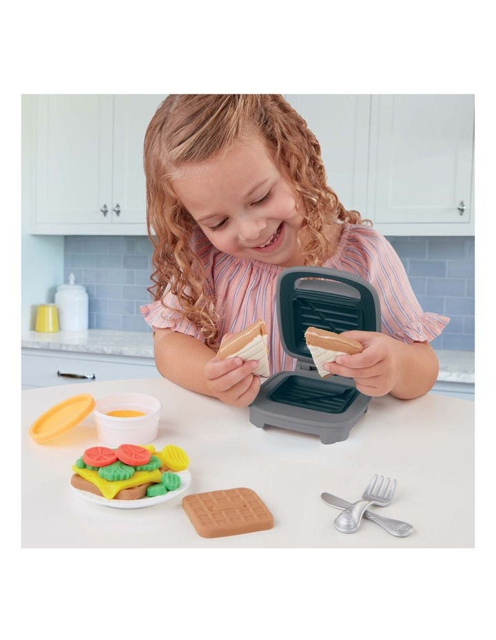 Kitchen Creations - Cheesy Sandwich Play Food Set - Incl Play-Doh Elastix Compound & 6 Dough Compounds image 5