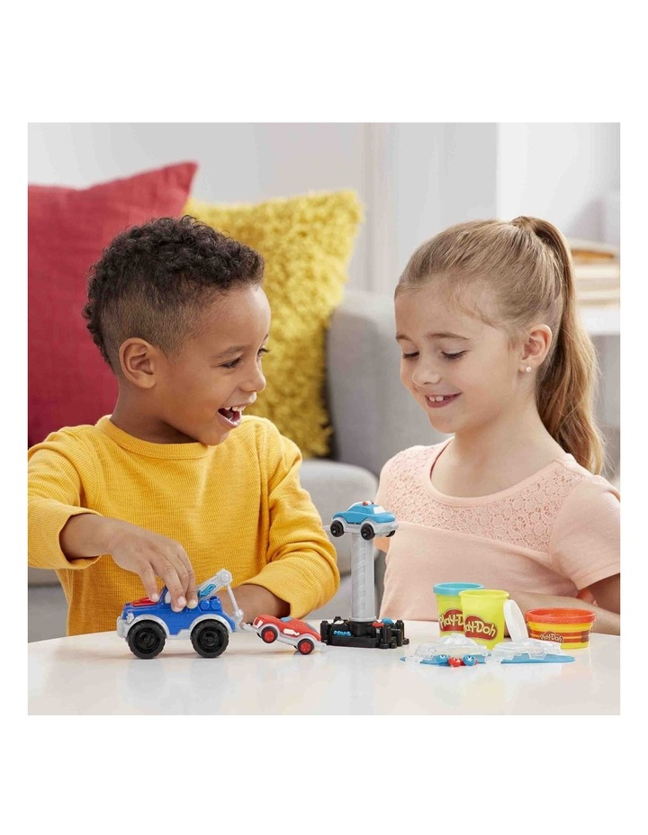 Wheels Tow Truck Toy for Kids 3 Years and Up with 3 Non-Toxic Play-Doh Colors image 3