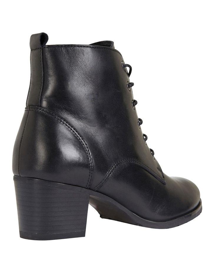 Kakadu Black Glove Boots image 3