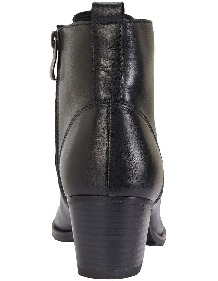 Kakadu Black Glove Boots image 4
