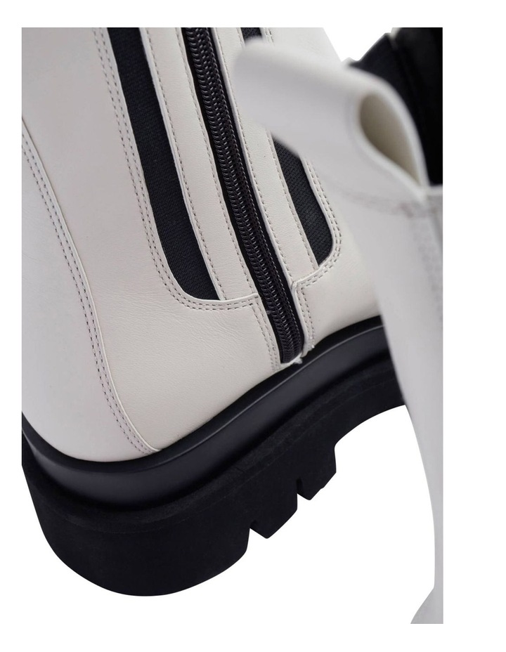 Boxer Dove Capretto Boots image 5