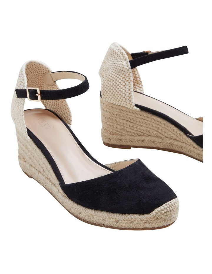 Darcy Wedge image 5