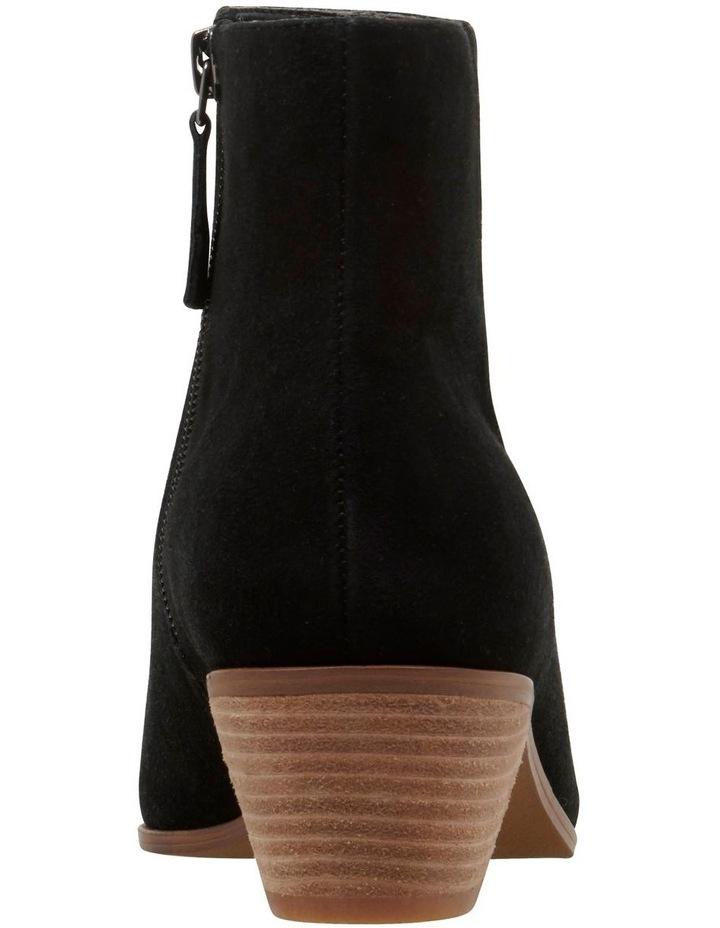 Toya Boots image 4