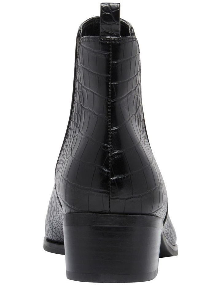 Yazy Boots image 4