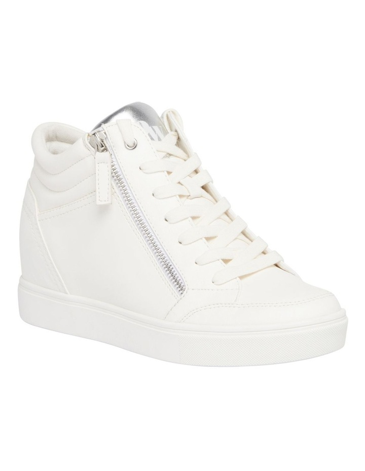 Tons Sneakers image 2