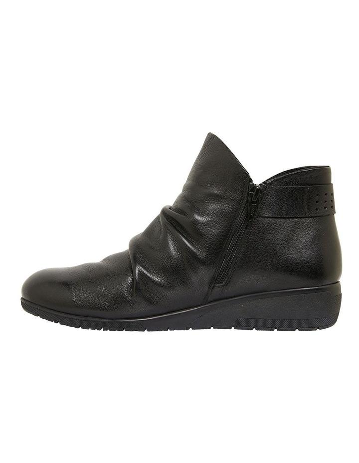 Fairway Black Glove Boots image 3