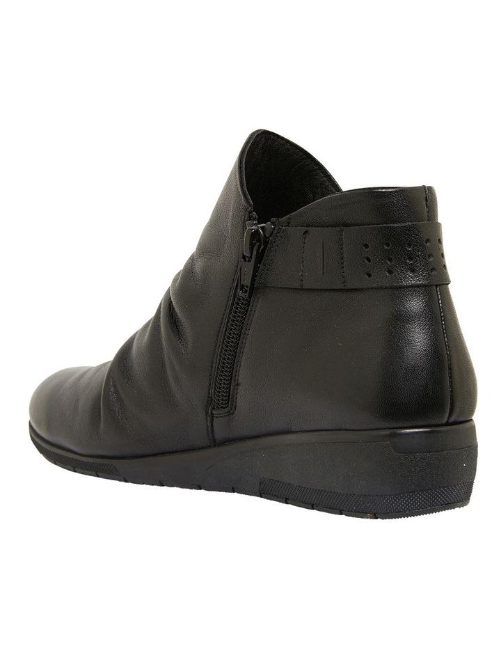 Fairway Black Glove Boots image 6