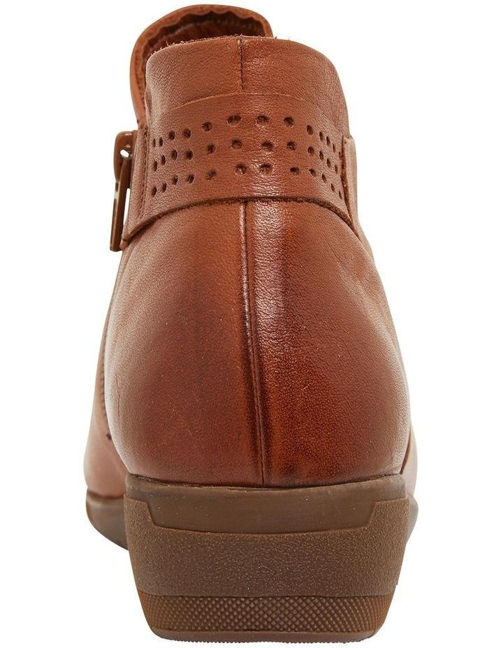 Fairway Tan Glove Boots image 2