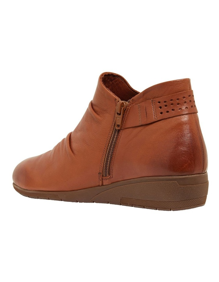Fairway Tan Glove Boots image 4