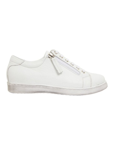 WHITE GLOVE colour