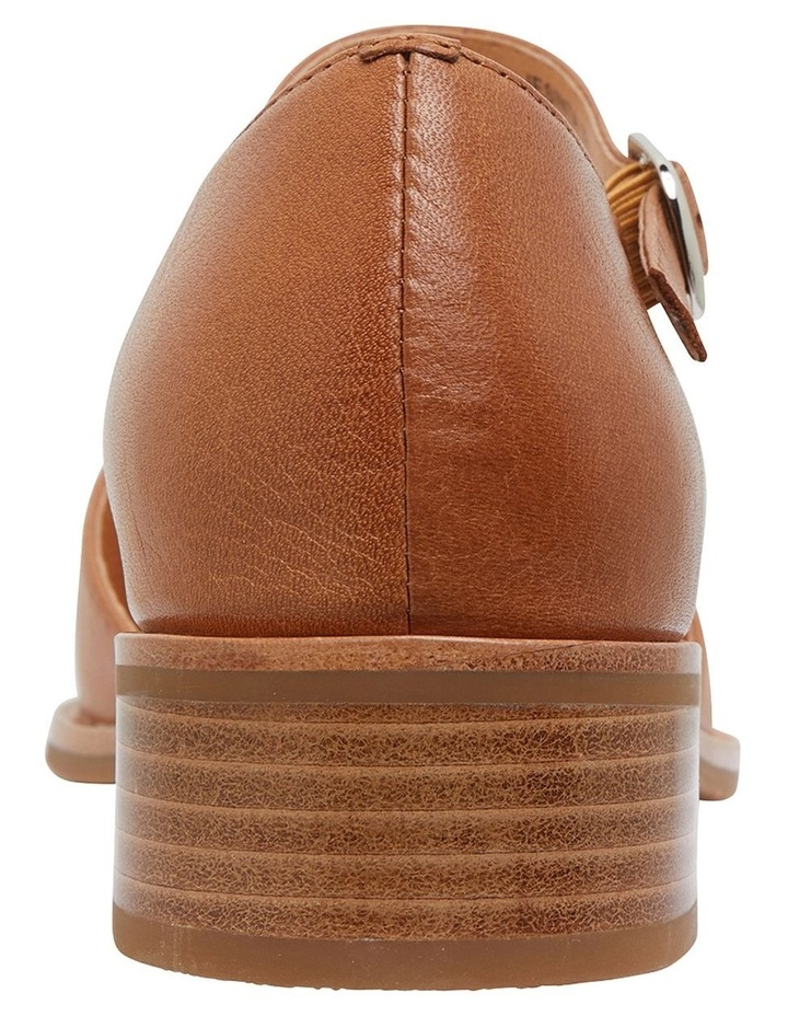 Jesinta Cognac Glove Flat Shoes image 5