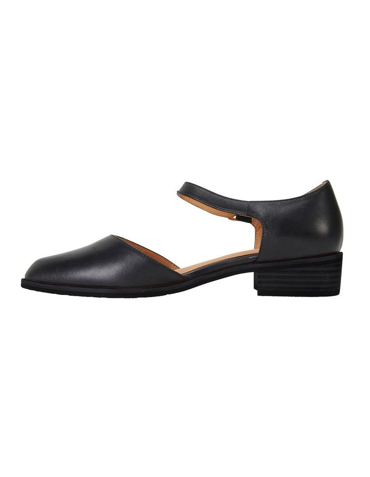 Jesinta Black Glove Flat Shoes image 2