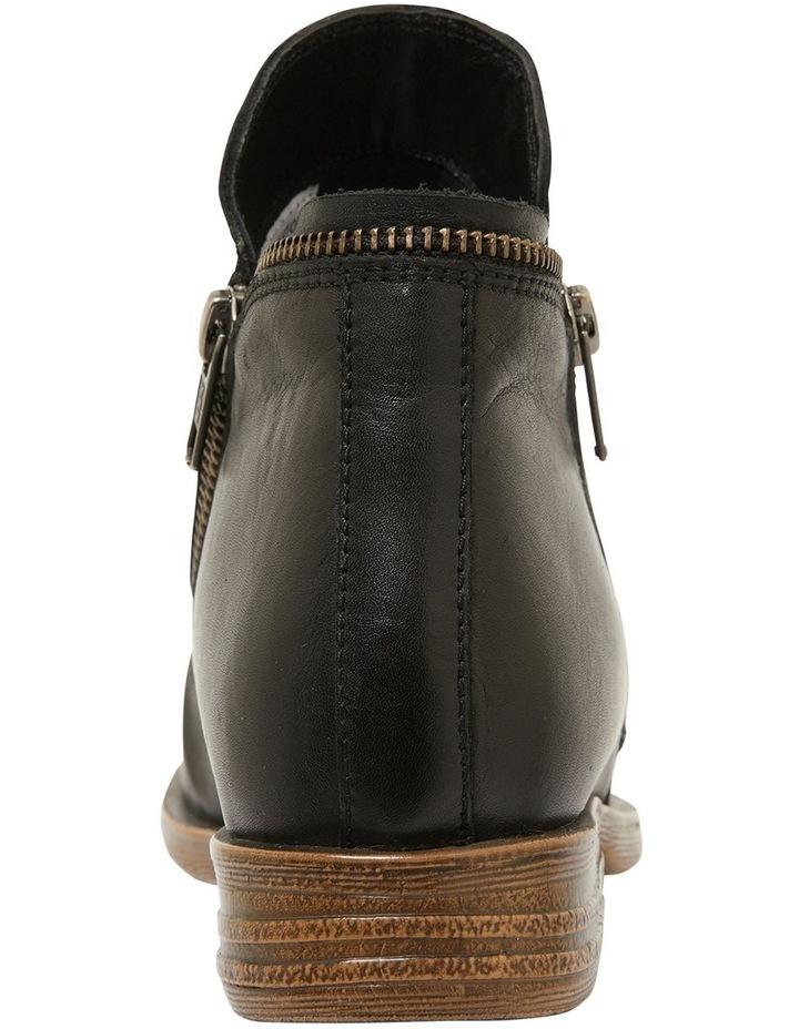 Hotham Black Glove Boots image 5