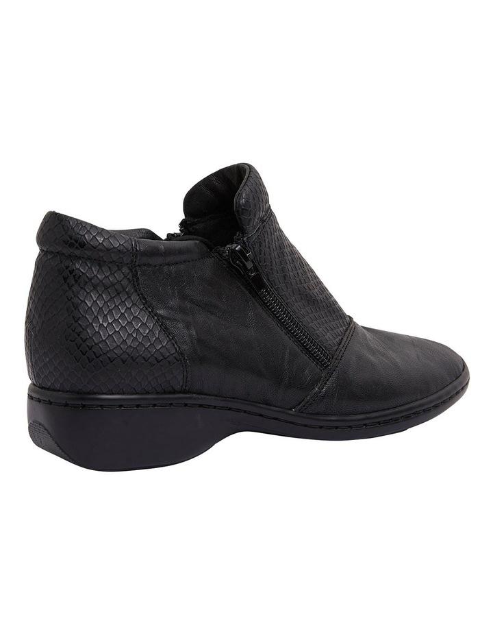 Vault Black Glove/Snake Boots image 4
