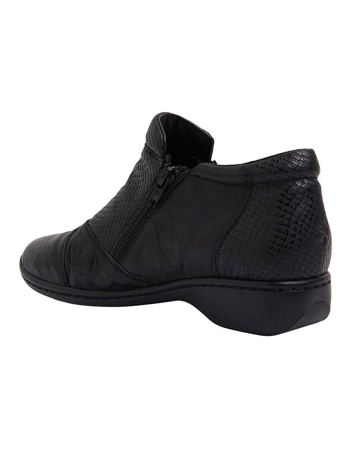 Vault Black Glove/Snake Boots image 5