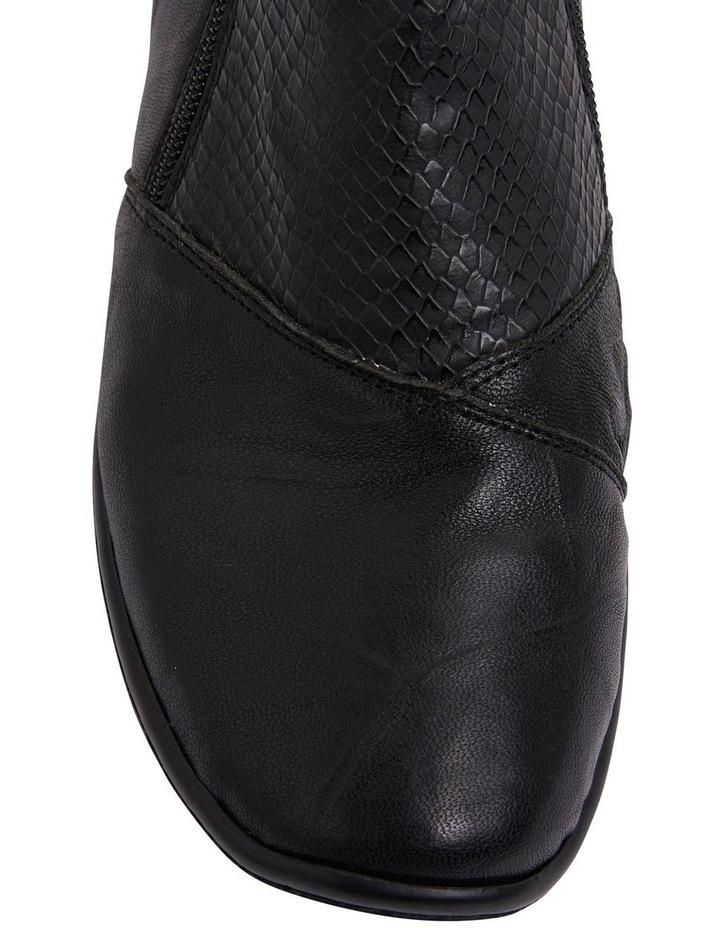 Vault Black Glove/Snake Boots image 7