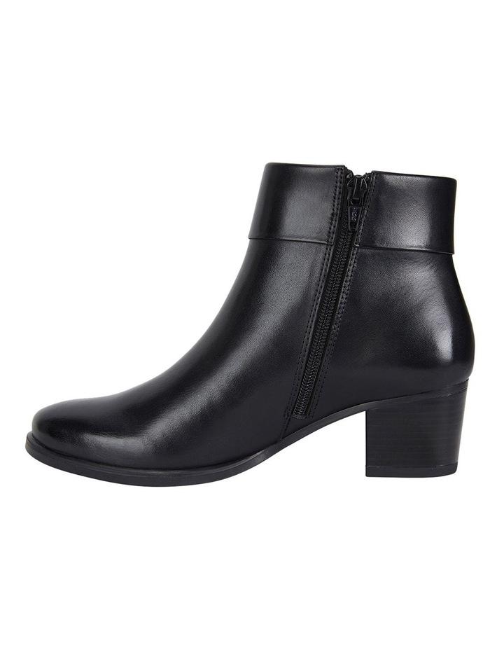 Tenor Black Glove Boots image 3