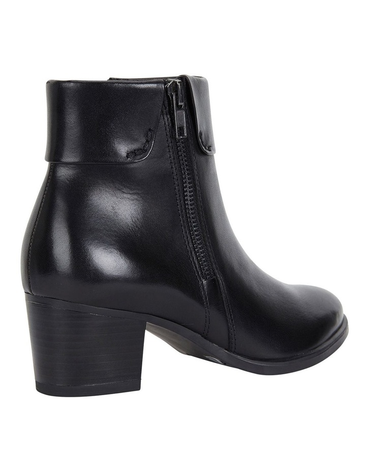 Tenor Black Glove Boots image 4