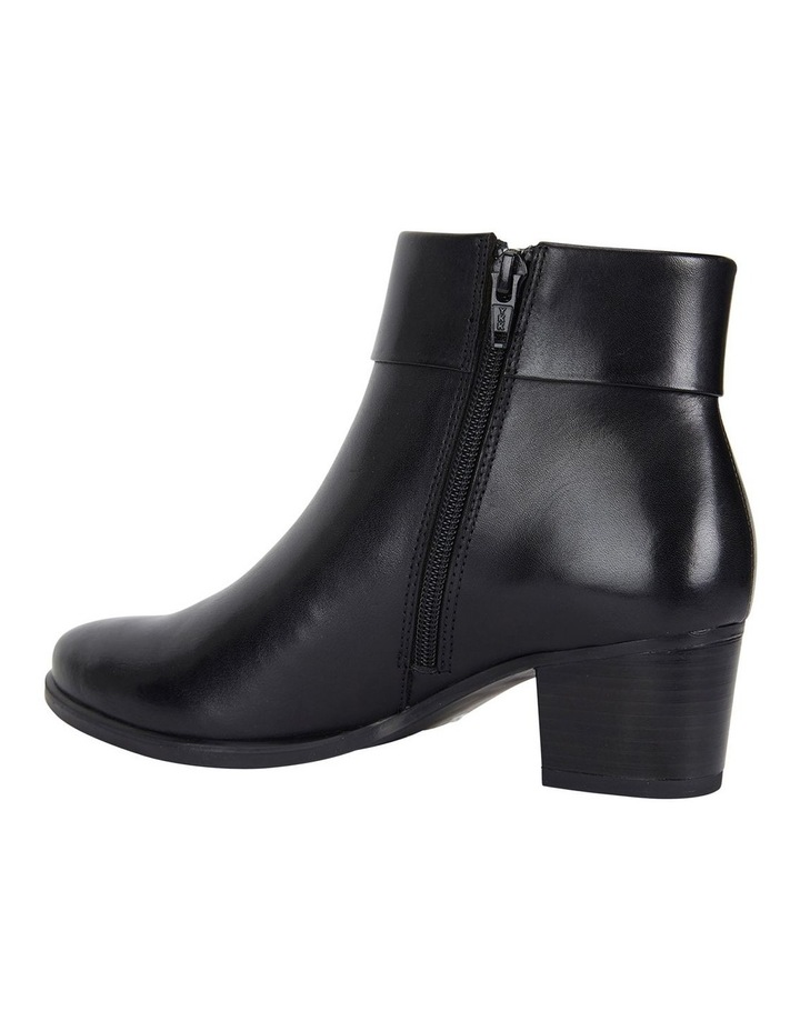 Tenor Black Glove Boots image 5