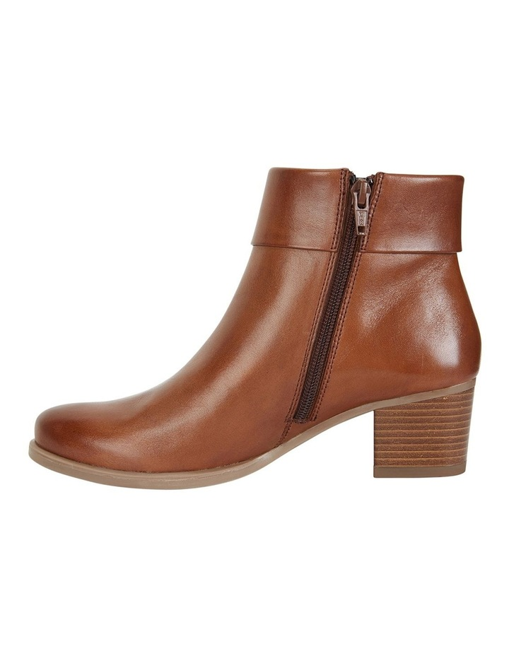 Tenor Tan Glove Boots image 3