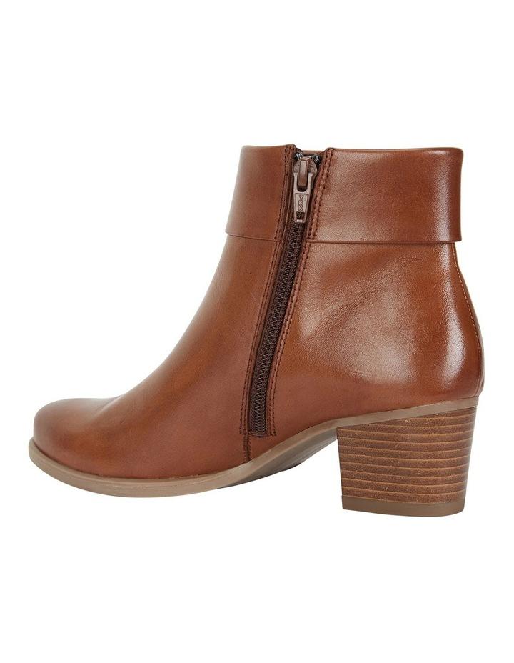 Tenor Tan Glove Boots image 5