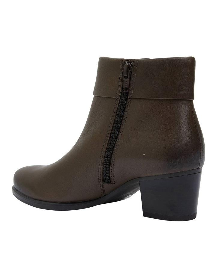 Tenor Khaki Glove Boots image 5