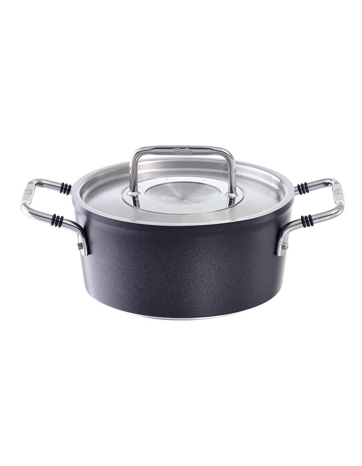 Luno 18cm/2ltr Stewpot with Lid image 1