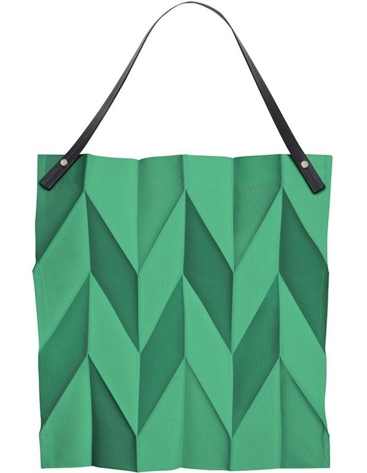 8c570444a9e3 Issey Miyake X Iittala Bag 43cm - Emerald image 1