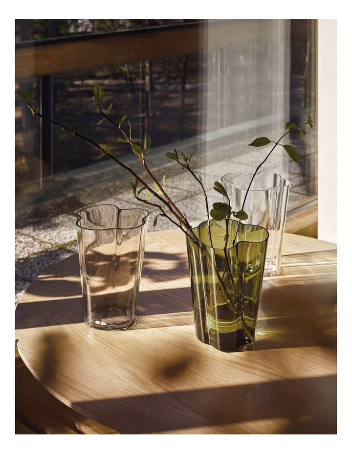 Alvar Aalto Collection 22cm Glass Vase in Clear image 2