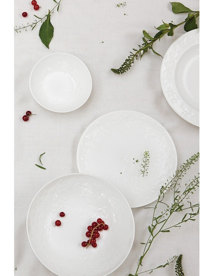 Wild Strawberry White 4 Piece Place Set image 2