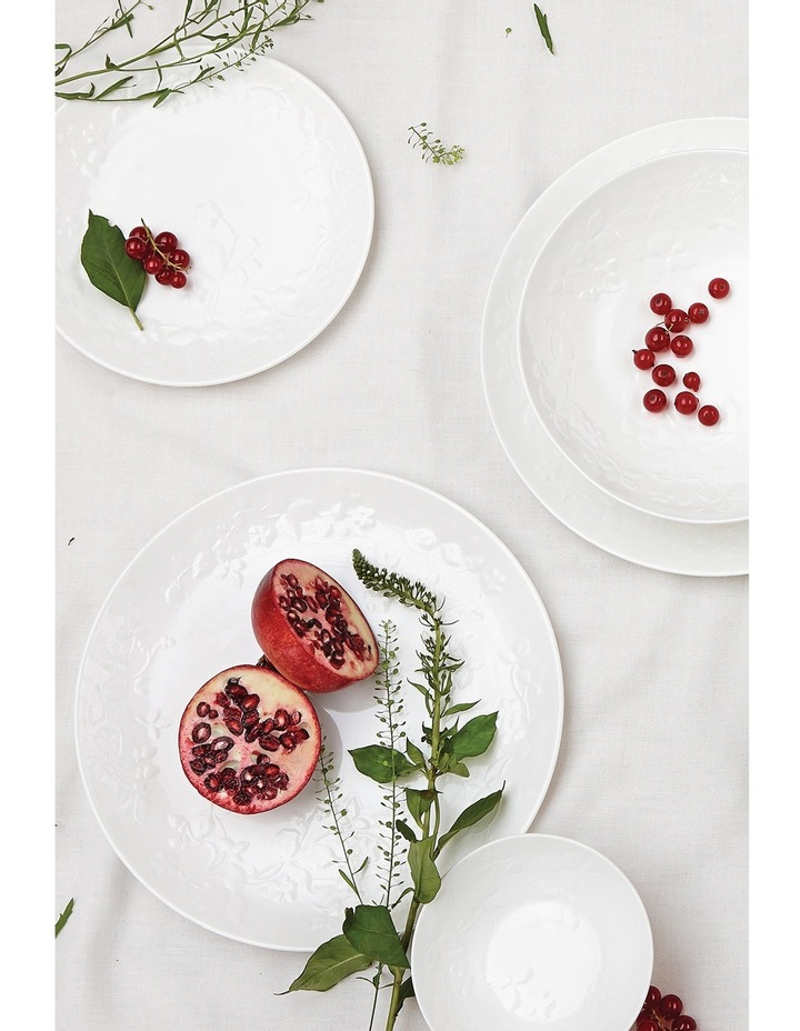 Wild Strawberry White Pasta Bowl 22cm image 2