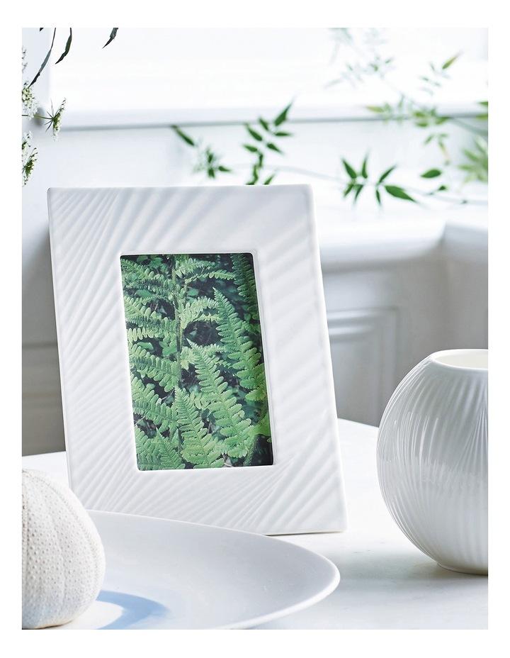 White Folia Picture Frame 4x6 image 2