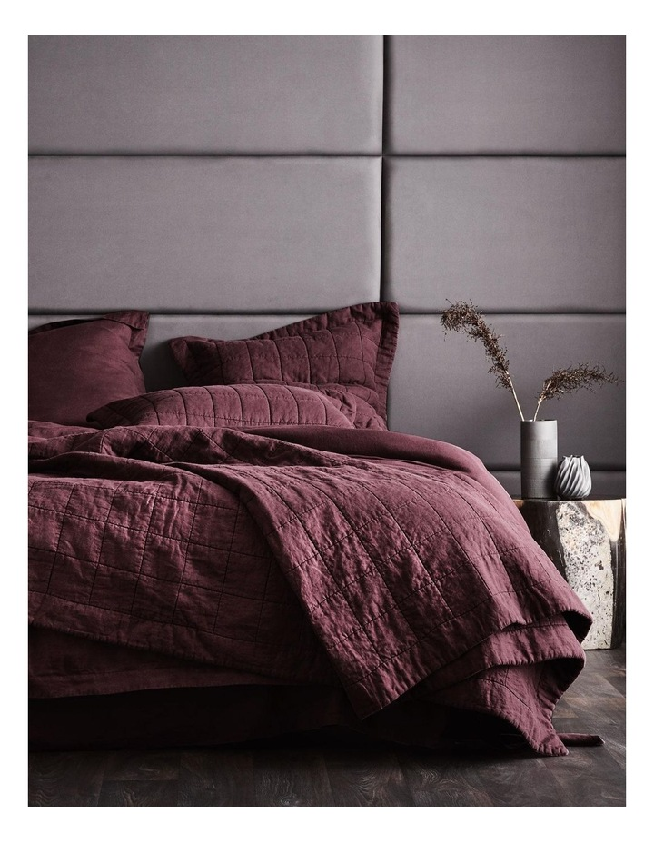 Abbotson Bedcover in Plum image 1