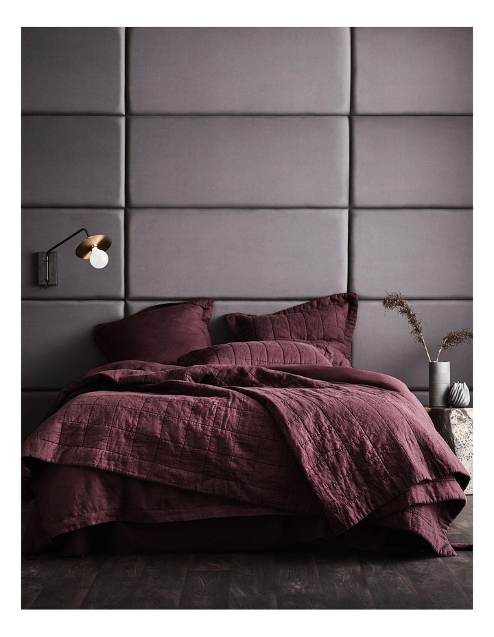 Abbotson Bedcover in Plum image 3