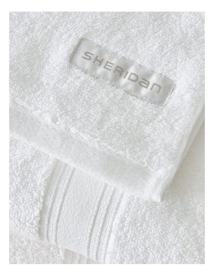 Quick Dry Luxury Gift Set in White image 2