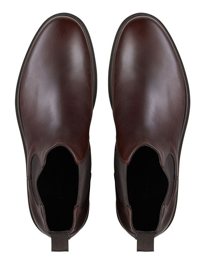 Sevren Leather Chelsea Boots image 3