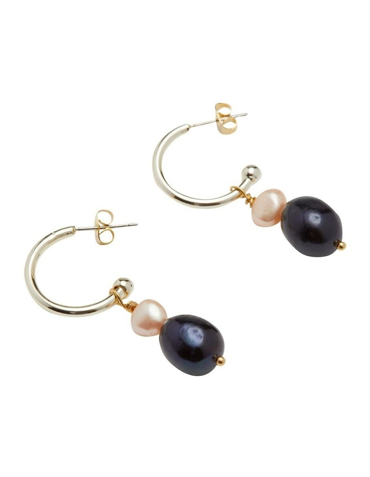 Oda Pearl Earrings image 2