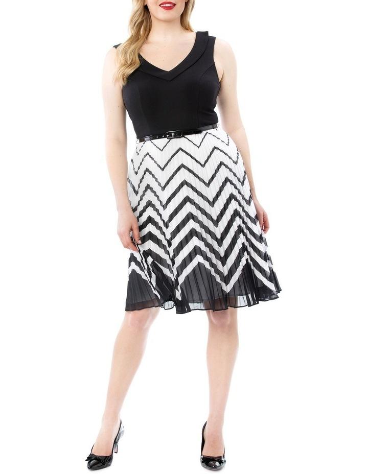 En Vogue Dress image 4